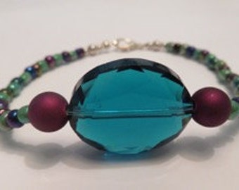 Blue Gem Bracelet.   {Homemade Jewelry, Unique Jewelry, Beaded Jewelry, Handmade}