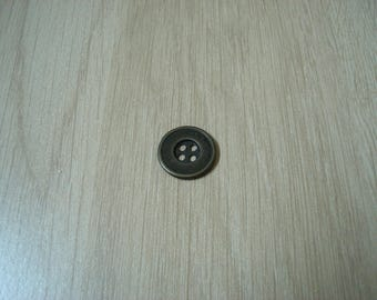 button round gold tone metal with RIM