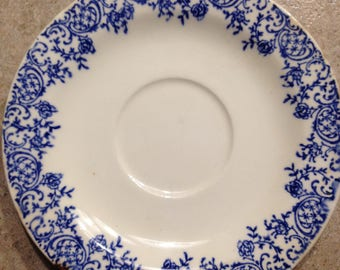 """6"""" blue and white flower plate"""