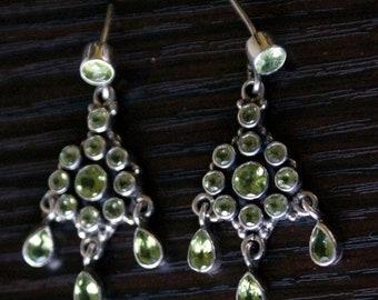 ON SALE Charming PERIDOT Silver Earrings