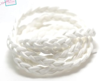 "1 meter ""braided"" Suede, 5 x 2, 5 mm, white"