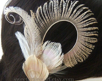 Bridal Peacock Fascinator - FAIRE CONTESSA - Bleached Beige Champagne Peacock Feather Fascinator