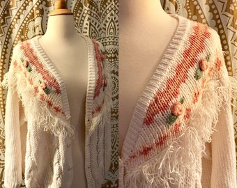 VTG 80s White Pink Rose Grandma Fringe Slouchy Oversized Knit Cardigan Sweater Jacket