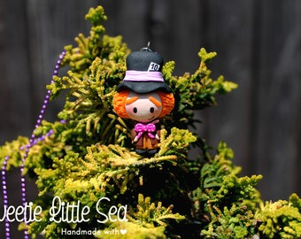 Mad Hatter Necklace, Handmade mad hatter, Alice in Wonderland, Mad hatter charm, Mad hatter sculpture, Handmade Mad Hatter piece.