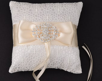 Wedding Ring Pillow, Ring Bearer Pillow, Wedding Pillow, White Ring Pillow, Lace Ring Pillow, Rustic Wedding, Wedding Gift, Ring Cushion.