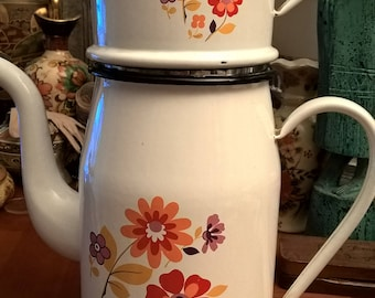 Large vintage enamel coffee pot vintage French white color with 70s flower motifs