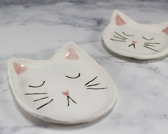 Cat ring dish / engagement gift / cat trinket dish / jewellery holder / cat plate / kitty ring dish / gift for cat lovers
