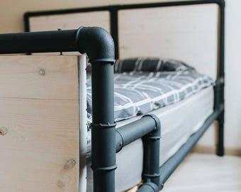 Metal Pipe Bed