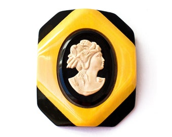 Vintage Bakelite 2 Tone Butterscotch and Black Cameo Brooch