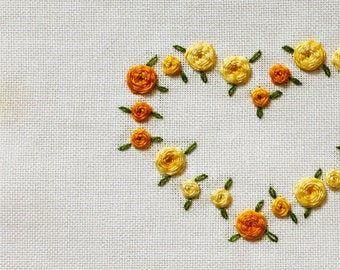 Needlepoint pattern, 3D embroidery, yellow gold melange roses