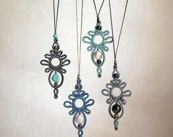 macrame pendant/ handmade jewelry/ blue/ bohochic/ macrame necklace/ blue agate