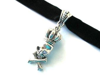 Crowned skull choker, black choker, black velvet choker, antiqued silver crown skull charm jewelry, velvet ribbon choker, skull necklace