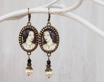 Anne Boleyn Earrings - Tudor Earrings - Elizabethan Jewelry - Tudor Jewelry - SCA - Cosplay Earrings - Historical Jewelry - Faire Earrings