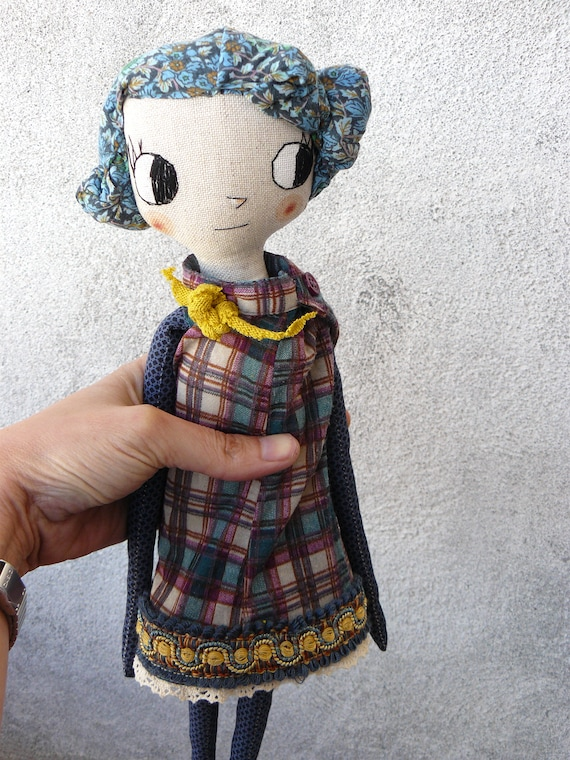 Big eyes New more stylized model. Art doll in cotton. Fabric hair. 16 inches.