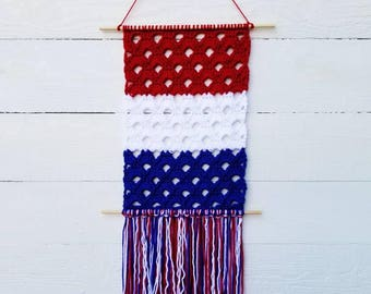4th of July Decorations, Red White and Blue Wall Hanging, Military Baby Nursery Art, Crochet Wall Hanging, Yarn Tapestry, Patriotic Decor