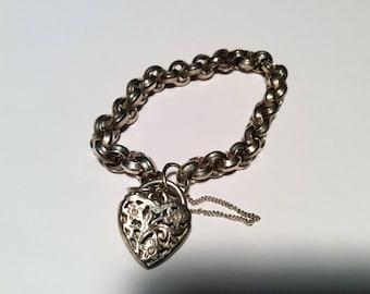 Vintage silver heart charm bracelet / from UK 7 inch bracelet adorable Happy Mothers Day