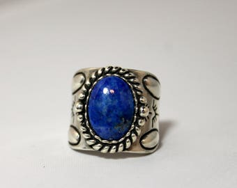 Brilliant Blue Vintage Lapis Lazuli Native American Sterling Silver Ring