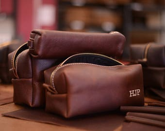 Personalized Leather Dopp Kit Groomsmen Gift | Monogram Leather Mens Toiletry Bag Leather Travel Bag | Gift for Husband Dad Grad Boyfriend