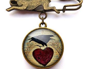 Raven and Red Heart No.1 Hare Pin Brooch (RR06)