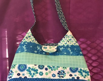 Tote style hand bag