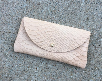 SUNNIES CASE Snakeskin Veg Tan • Embossed Leather Sunglasses Pouch or Wallet