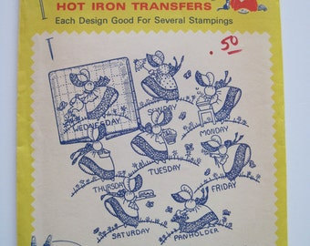 Aunt Martha's Hot Iron Transfers - 3216 - GAY COLONIAL MISS - Never Used