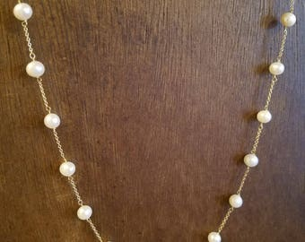 10 Karat Gold & Freshwater Pearl Necklace