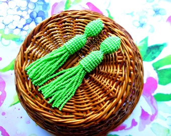 lime green/oscar de la rente/stud earring/beading dangle/handmade/Unique Gift/earrings/drop earrings/Short-tassel/dangle earrings