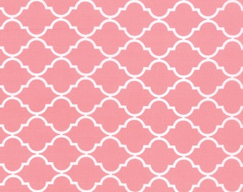 Pink and White Quatrefoil Patterned Fabric - Quattro Piccolo by Moda 1 Yard
