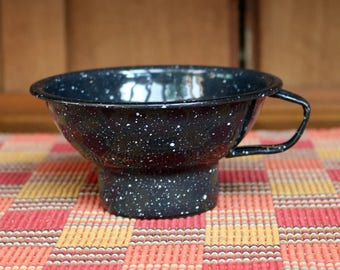"""FREE SHIPPING within the U.S. ~ Enamelware Canning/Kitchen Funnel ~ Antique/Vintage ~ 1920s-1950s ~ 4.5"""" diameter x 2.5"""" tall ~ Graniteware"""