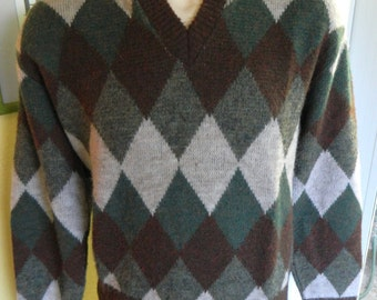 1970s vintage argyle hipster sweater - greens and browns size large