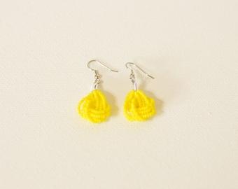 Yellow Earrings, seed bead earring, bright yellow earrings, sunshine seed bead jewelry, beaded dangling earrings,sunflower,lemon earring
