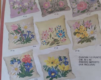 Vintage 1/2 point kit cushion with flowers. Pillow embroidered with flowers.