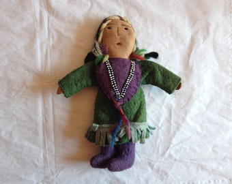 """Vintage American Indian/Native American Woman Doll ~ Leather, Felt and Beads ~ 7.5"""" Tall"""