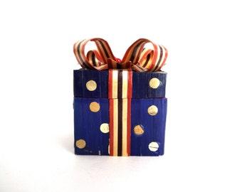 Vintage Polka Dot Trinket Box / Presentation Box / Gift Box / Ornament