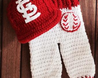 Newborn St Louis Cardinals baby cap and pants set