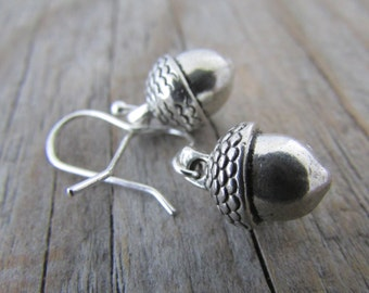 Acorn Earrings, small, silver acorn dangles