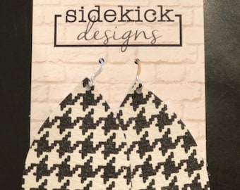 Black and white houndstooth leather teardrop Earrings