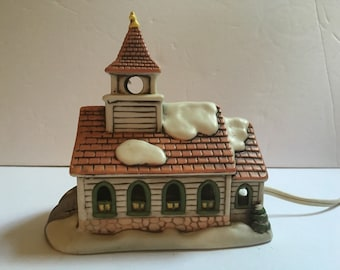 Vintage 1987 Lefton Colonial Village Church, Made in Taiwan, Designer Byron Wood, Excellent Condition