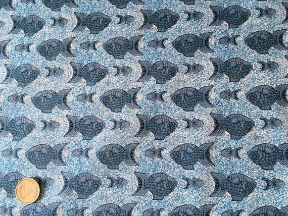 High quality cotton poplin, white and greyish blue fish print
