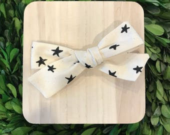 Star hairbow // black and white hairbow // star print bow