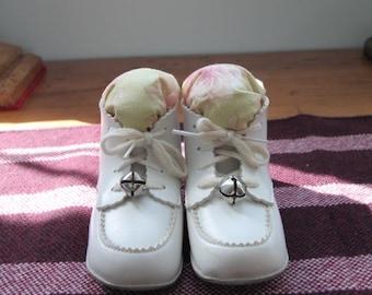 """Vintage """"Pink Rose"""" Baby Shoe Pincushions"""