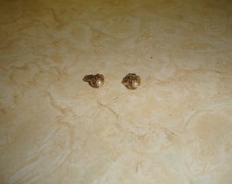 vintage clip on earrings goldtone tiny rose flower faux pearl
