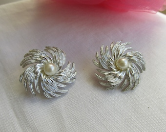 Earrings - Sarah Coventry - Clip On - Vintage