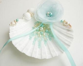 Shell ring holder Wedding Ring Holder Seashell Ring Bearer