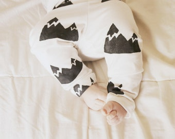 Baby Leggings- Ivory and Black Mountain Print