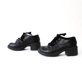 size 7 CHUNKY black leather 80s 90s PLATFORM lace up ankle boots