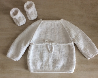 Set 1 month baby booties knit made handmade cotton Viscose white cross bra