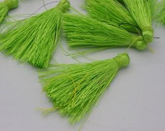 10 tassel 6 cm Green very soft polyester