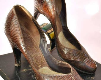 Vintage early 50s Faux Reptile Pumps Shoes • Size 7aaaa • Stilettos • 1940s Style